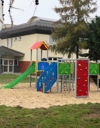 Budowa placu zabaw przy Szkole Podstawowej nr 6 im. Adama Mickiewicza w Międzyrzeczu