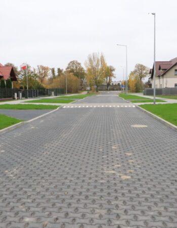 Co cieszy mieszkańców osiedla? Nowe drogi i chodniki!